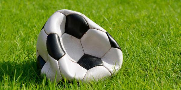 footballfrance-ballon-aveugle-creve-illustration