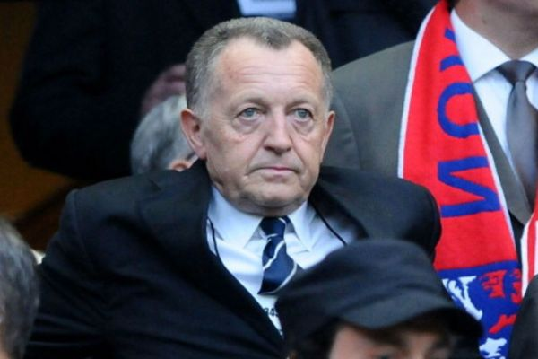 footballfrance-ol-jean-michel-aulas-licenciement-fournier-caca-illustration