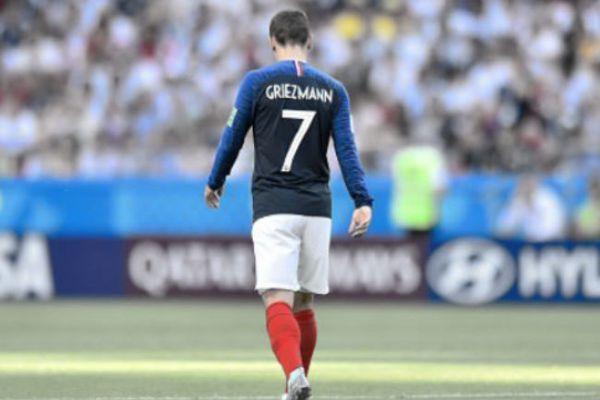 footballfrance-antojne-griezmann-sad-illustration