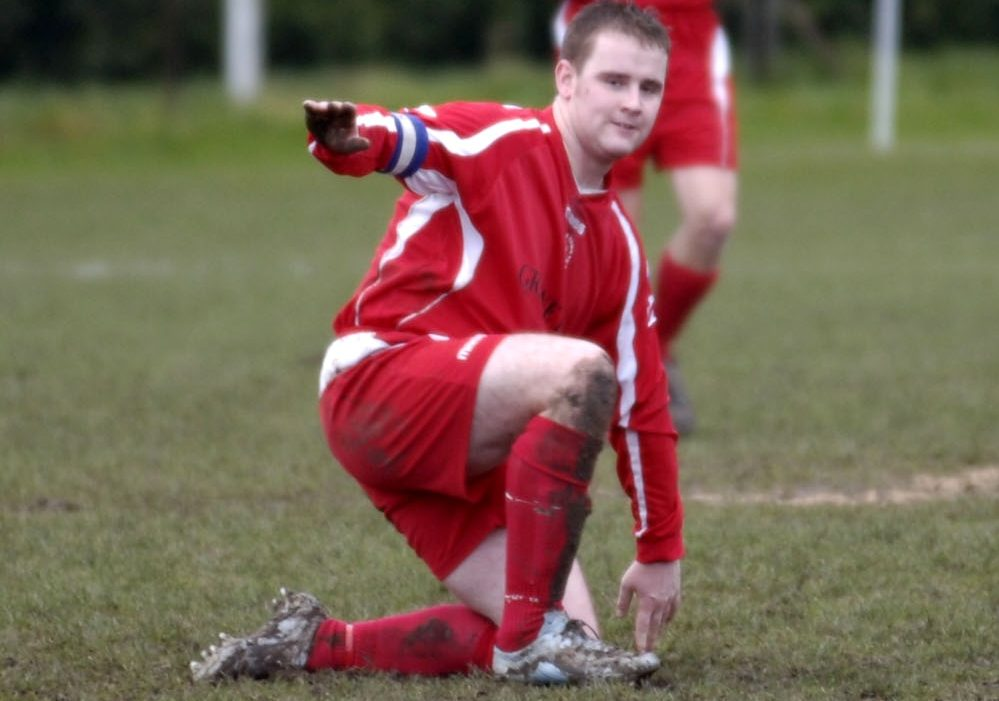 Neil Baker playing for Bracknell Town.