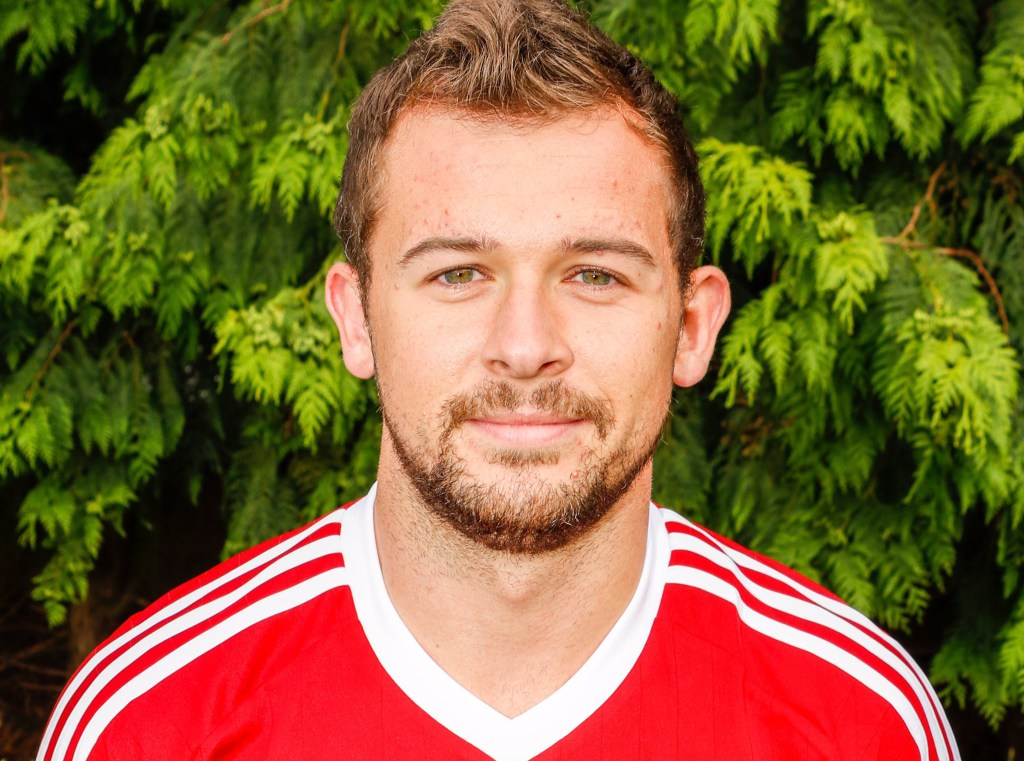 Bracknell Town confirm trio of signings from Ascot United