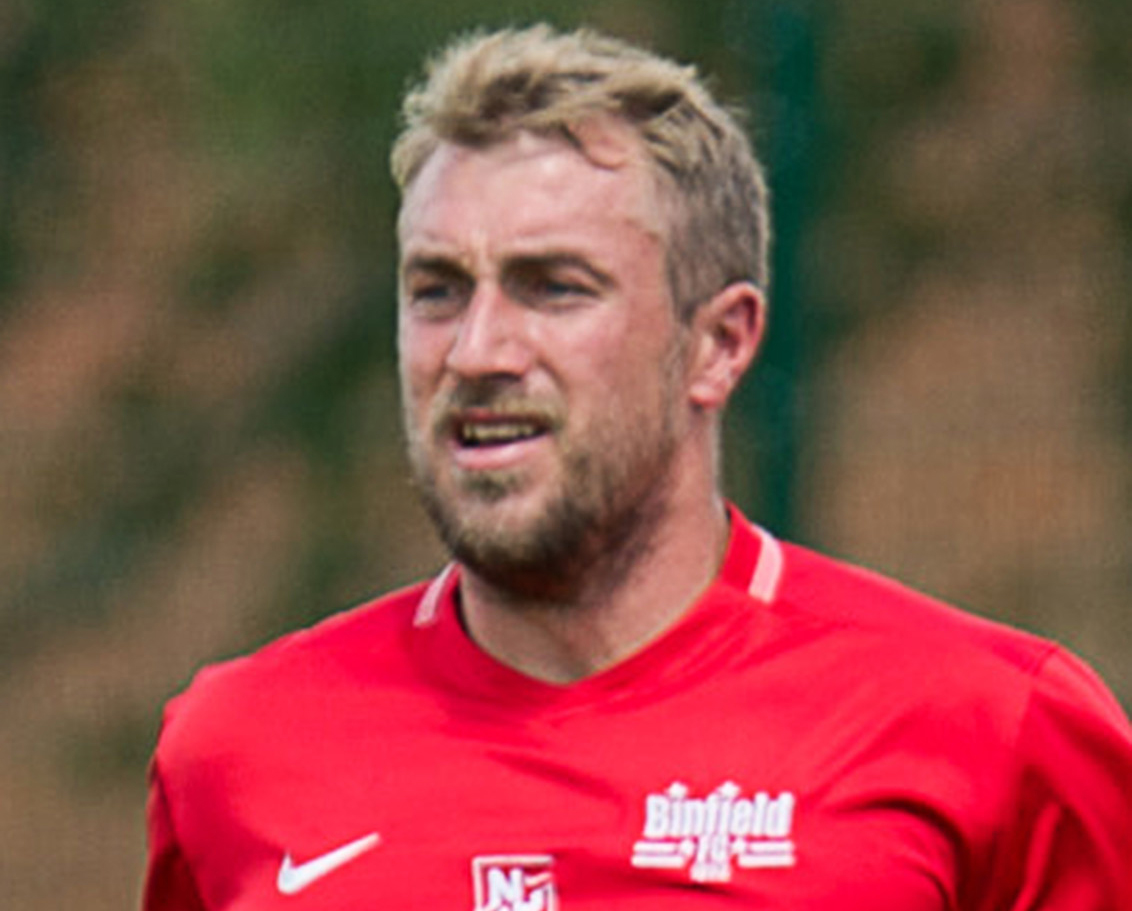 Former striker makes a return to Wokingham & Emmbrook