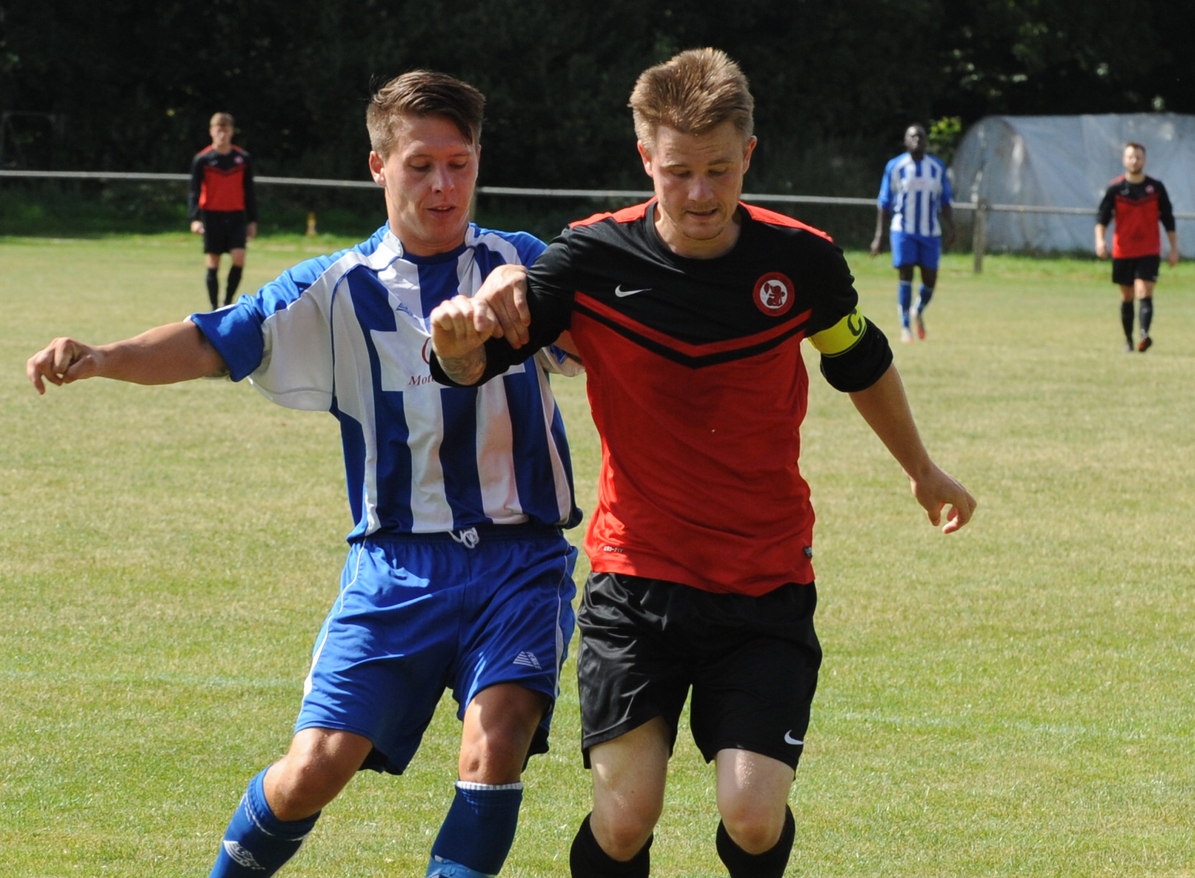 Sandhurst Town FC vs Wokingham & Emmbrook FC and what to expect in Division 1 East