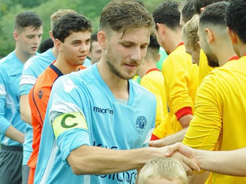 Sandhurst Town sign Hellenic League Division 1 East top scorer