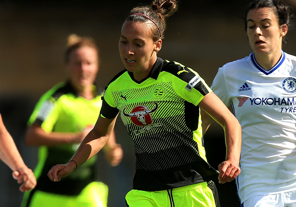 Melissa Fletcher turns 'pro' with new Reading Women FC deal