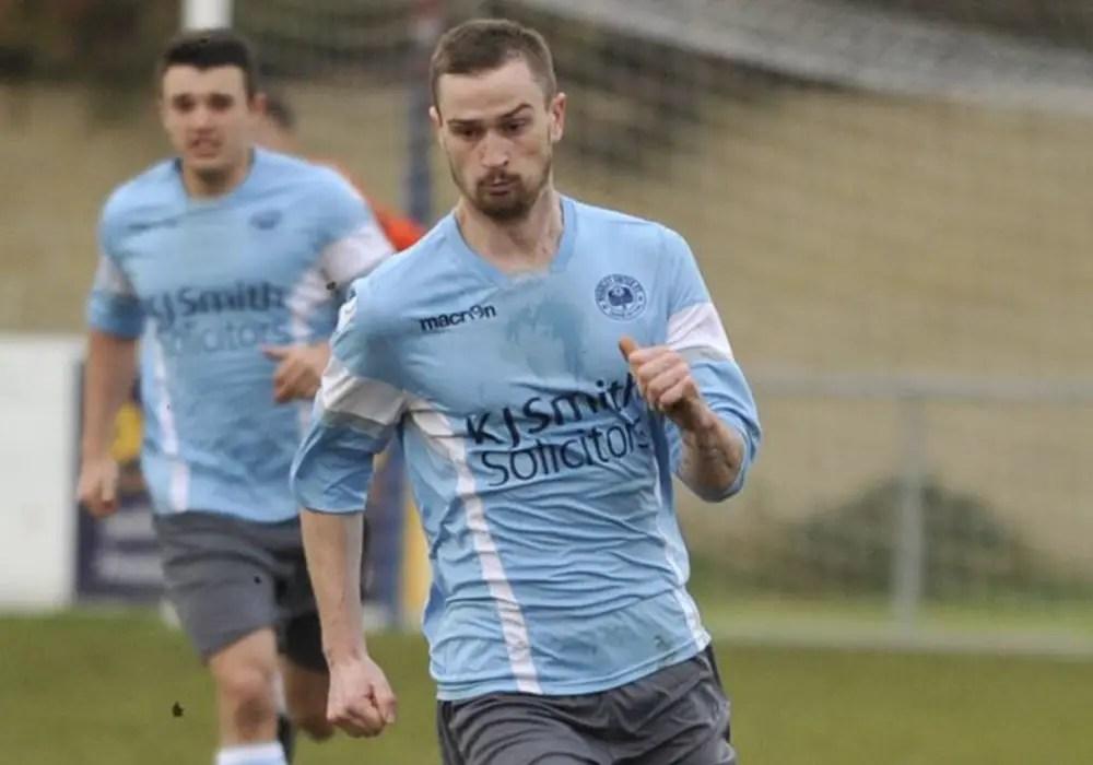 Greg Beckett and Danny Horscroft goals keep Woodley United flying