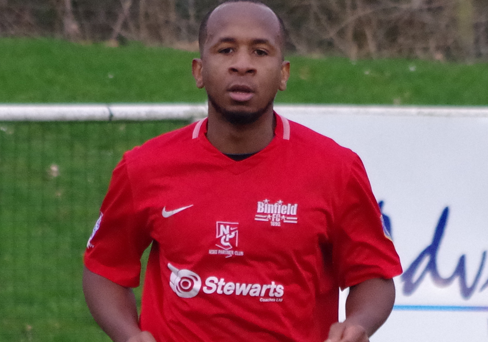 Mo Davies on target for Ascot United and Bracknell Town rout Aylesbury