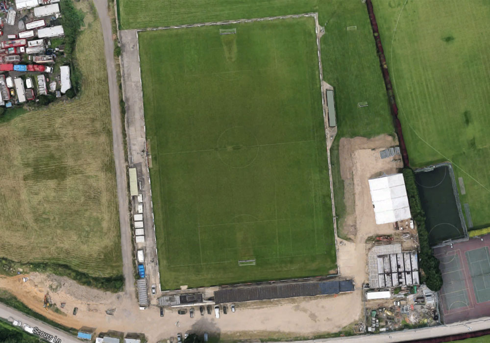 Guide to Woodley United FC and Scours Lane