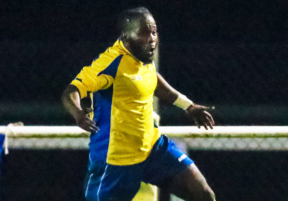 Cameron Gyeabour signs for Ascot United and ALL the Hellenic League transfers 21/9/2017 to 28/9/2017