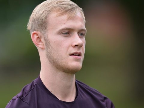 Sam Barratt signs Southend United contract extension