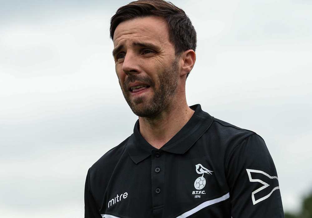 Gavin Smith back in football management