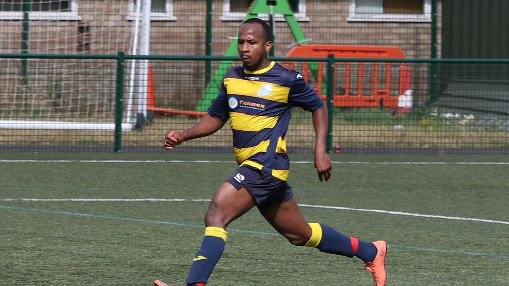 Mo Davies in action for Everlsey & California FC. Photo: Richard Milam.