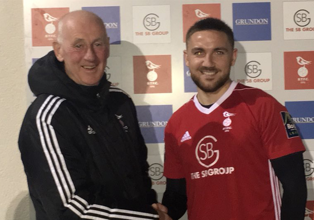 Bracknell Town sign midfielder Anton Rodgers