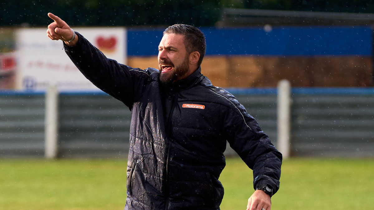 Hungerford Town manager Ian Herring departs