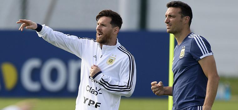 प्रशिक्षकबारे अर्जेन्टिनी फुटबल संघले गर्यो यस्तो निर्णय