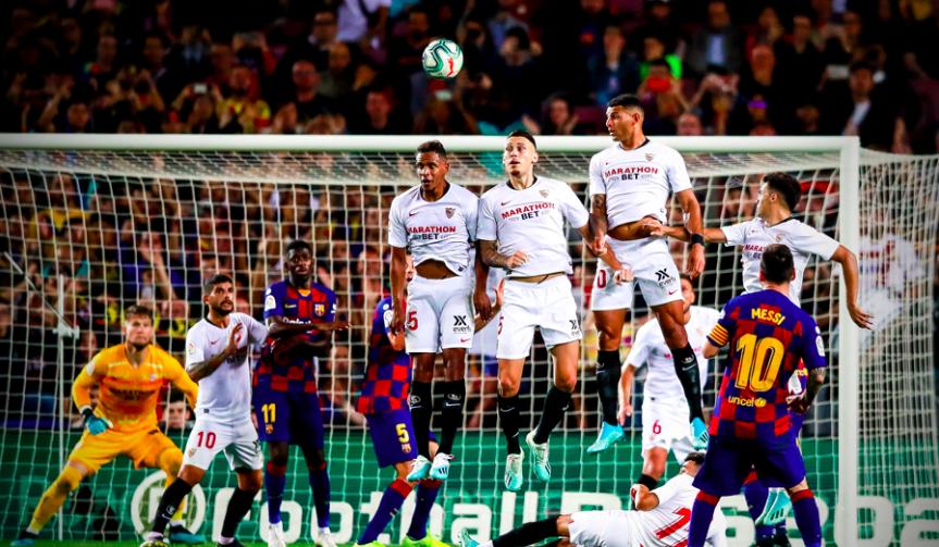 सेभिल्लाविरुद्ध बार्सिलोनाको ४ गोल : मेस्सीले पहिलो गोल गर्दा दुई खेलाडीलाई रातो कार्ड !