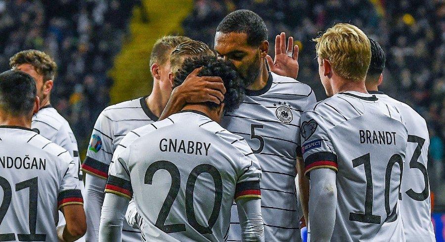 जर्मनीको फराकिलो जितमा ज्नाब्रीको ह्याट्रिक