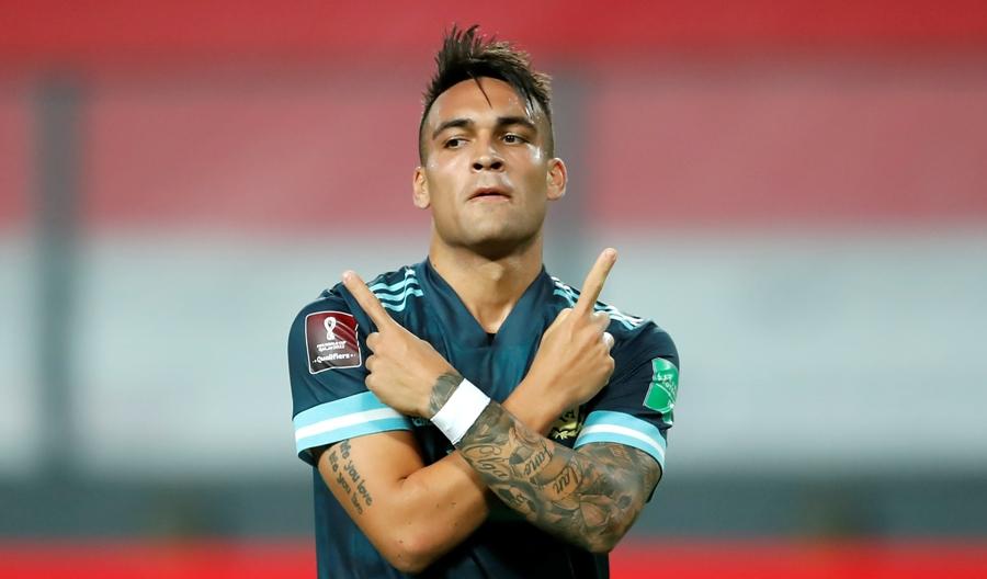 पहिलो हाफमा पेरुविरुद्ध अर्जेन्टिना ०–२ ले अघि
