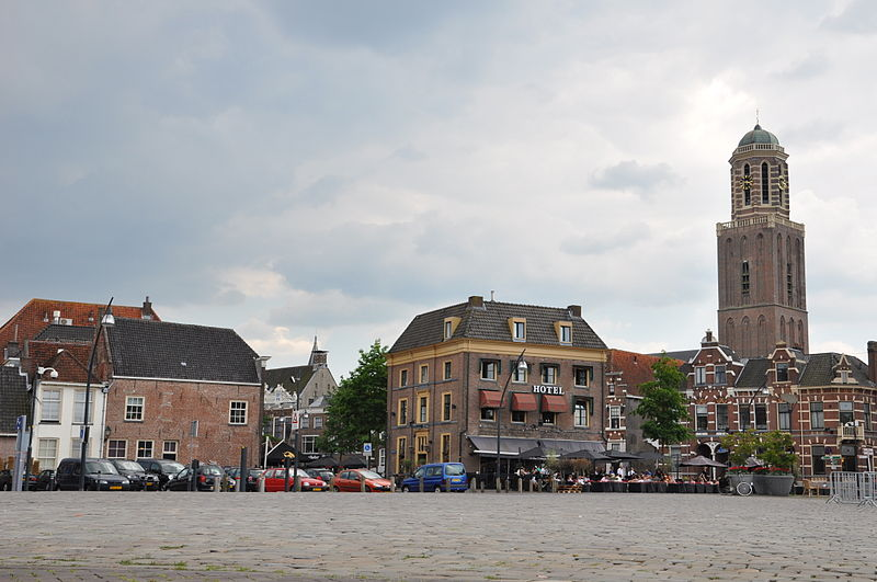 File:Zwolle Skyline Rodetorenplein 01.JPG