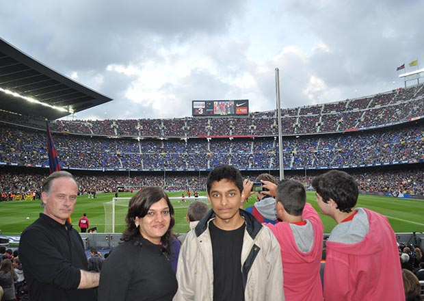 tickets for FC Barcelona vs Real Madrid and review from customer