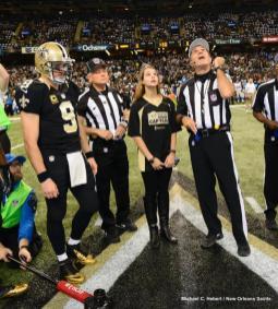 Pete Morelli tosses the coin (New Orleans Saints)