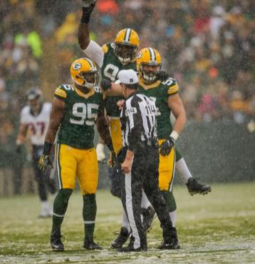 Gene Steratore (Green Bay Packers)