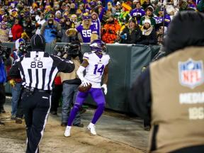 Brad Freeman wades into the crowd (Minnesota Vikings)