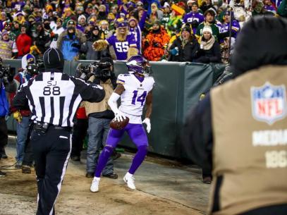 Brad Freeman wades into the crowd (Minnesota Vikings)
