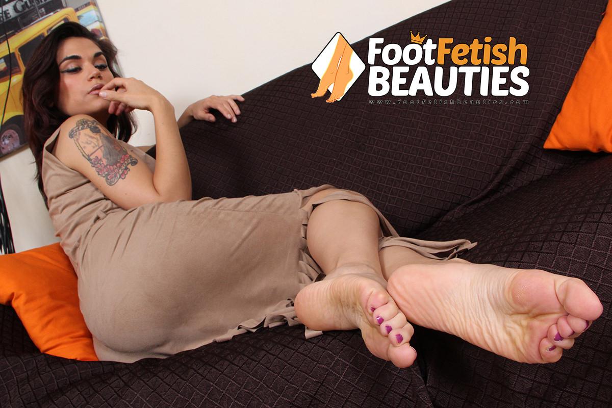 Chiara - sexy feet