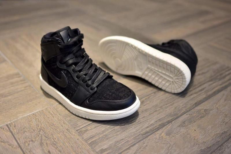 69cbd40f For the latest sneaker deals & release info follow us on Instagram  @officialfootfire & Twitter @footfire_