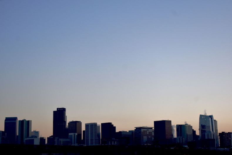 Good Airbnb Host - Image of Denver Skyline