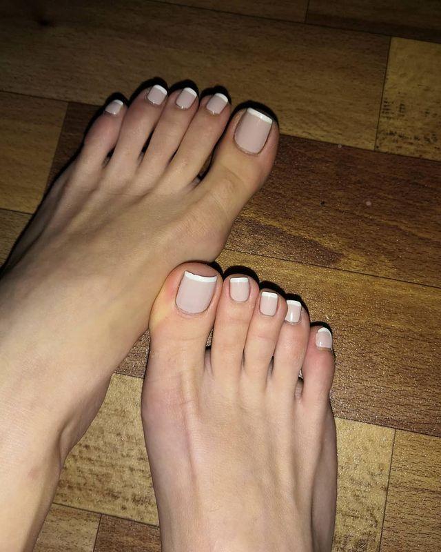 Foot modeling jobs