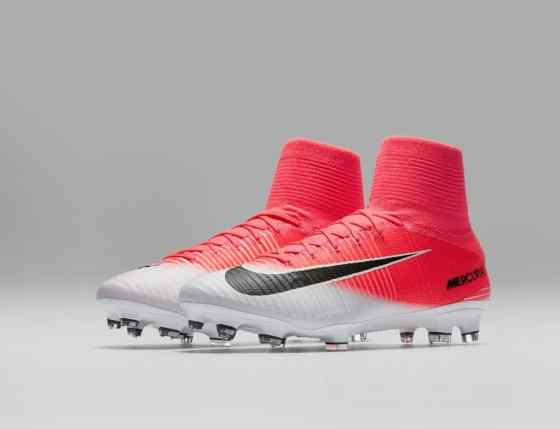 chaussure-football-nike-football-mercurial-superfly-V-motion-blur