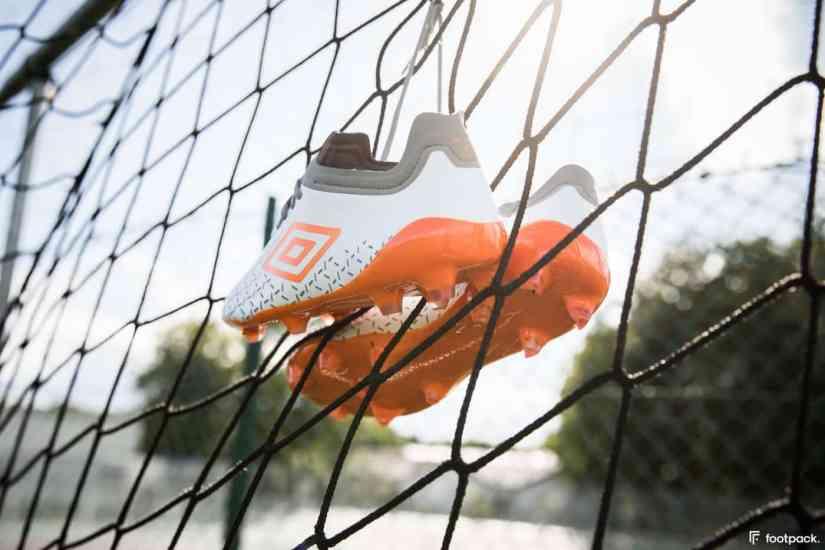 umbro-speed-5-blanche-orange-footpack-8