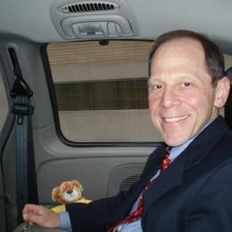 2006 Dr Fred Kaplan i baksätet på Stiffmans bil