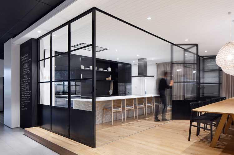 Un Showroom Design