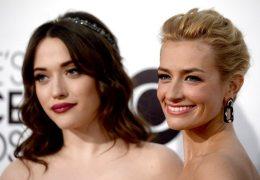 "Kat Dennings e Beth Behrs di ""2 Broke Girls"" | © Getty Images"