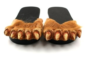 COUNTDOWN TO DAD'S DAY GIFT GUIDE: Day 4- Werewolf Feet Slippers