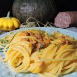 Spaghetti zucca e ciaiuscolo croccante