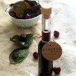 Liquore alle foglie di ciliegio