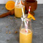 Frullato arance, latte di mandorle e cardamomo