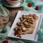 Fettine di arista con porcini e salsa ai lamponi