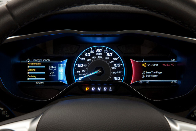 15FordFocusElectric_10_HR