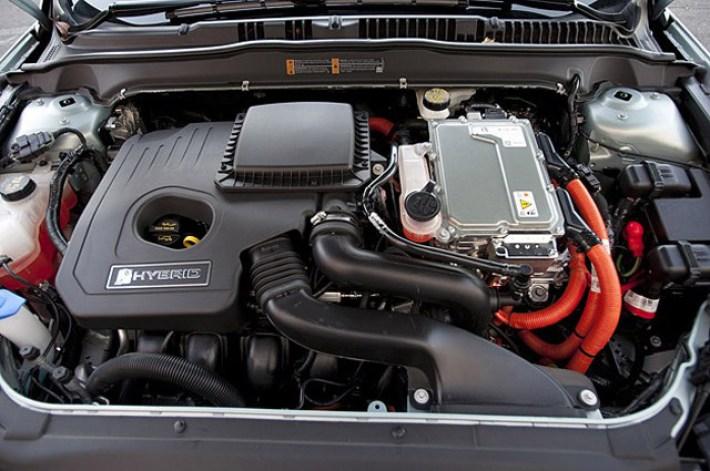 lead6-2013-ford-fusion-hybrid-fd