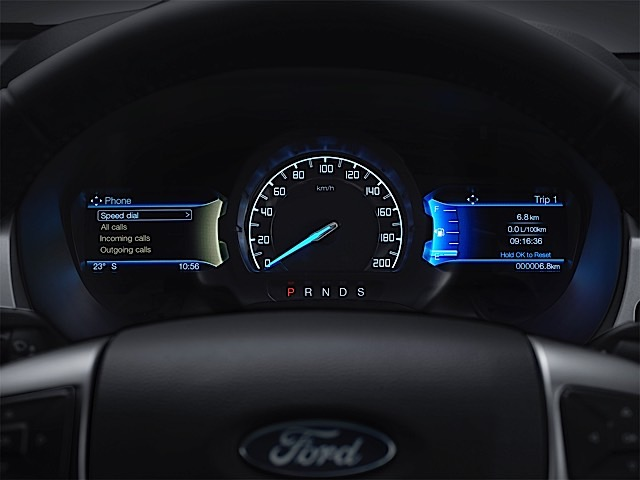 New Ford Ranger 8_TFT cluster
