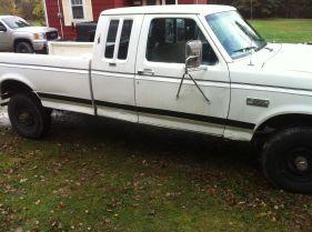 80-white_truck_cb71e2687ce0fc711935e154af85075ee6673270