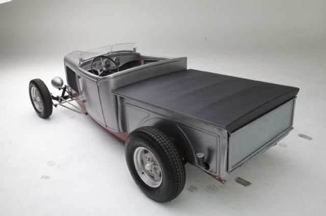 1932-ford-roadster-pickup-rear
