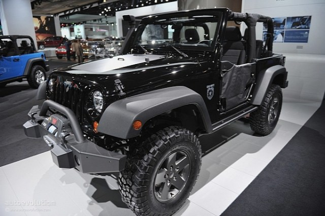 2011-naias-jeep-wrangler-call-of-duty-black-ops-edition-live-photos-medium_3