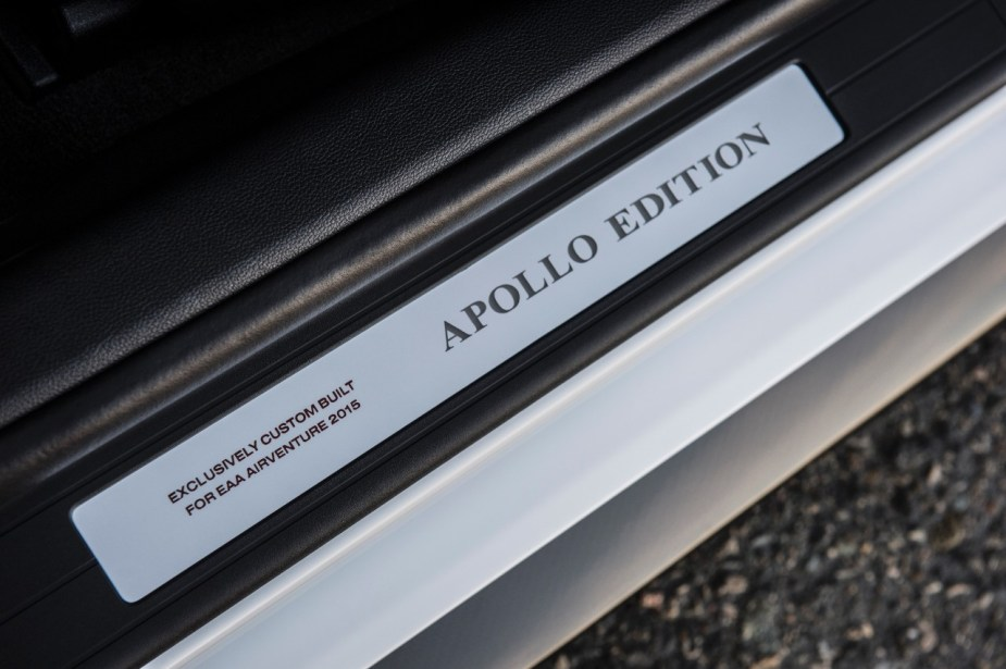 12-2015-ford-mustang-apollo-edition