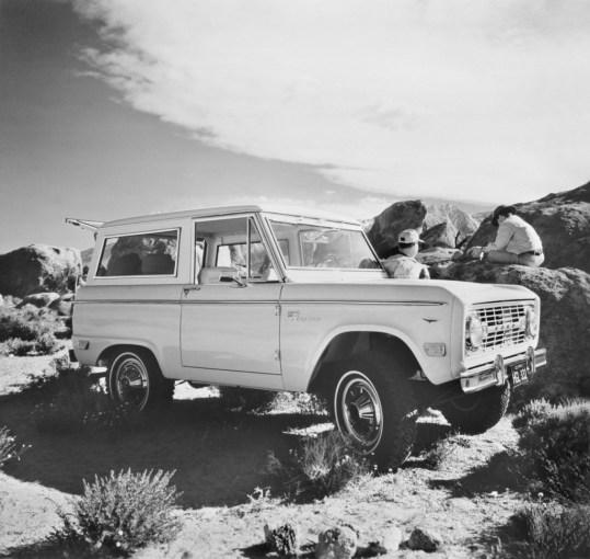 1968-Ford-Bronco-neg-149010-062-1024x970